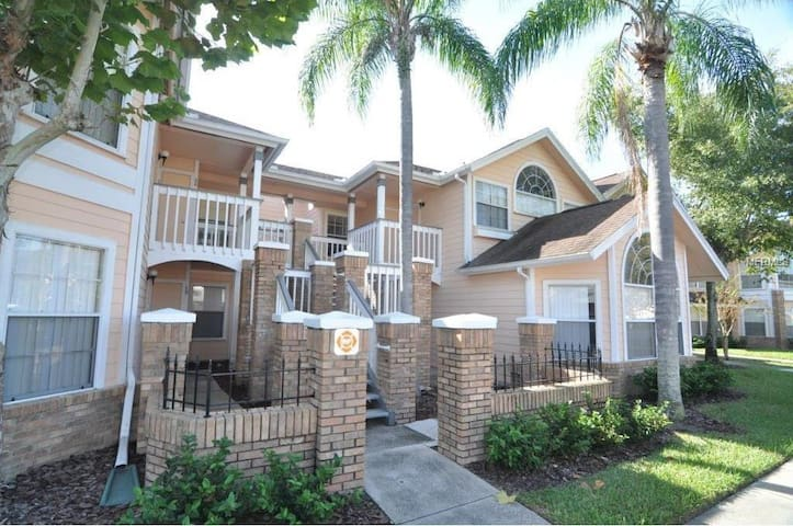 Disney 2 bedroom Villa, Sleeps 7 - Kissimmee