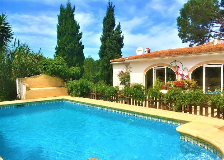 Nice Villa with pool in natural park.