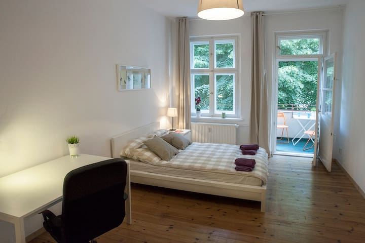Sunny apartment in Prenzlauer Berg - Berlin - Wohnung