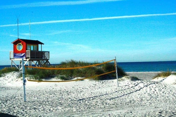 Super cute summerhouse by the beach - Falsterbo - Cabin