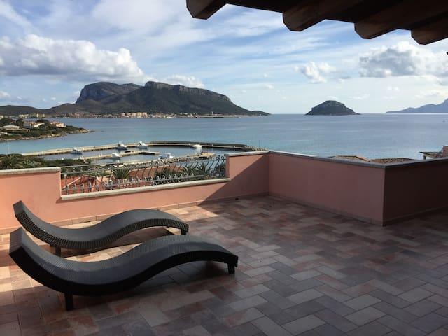 Casa con vista favolosa sul mare - Golfo Aranci - House