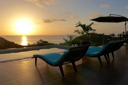 Breathtaking 180-Degree ocean view Lotus Villa