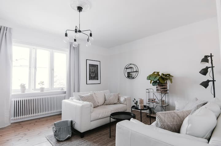 Bright flat just minutes away from Central Station