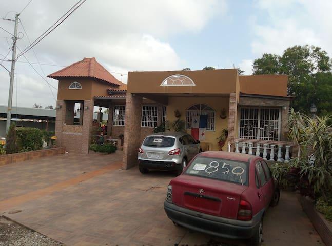 Casa amplia y acojedora