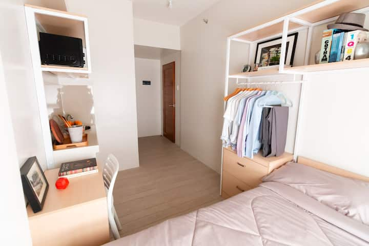 TKA: Fully Furnished Studio for 2 near Makati CBD
