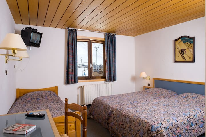 Get a good sleep in either of the 3 Single beds.