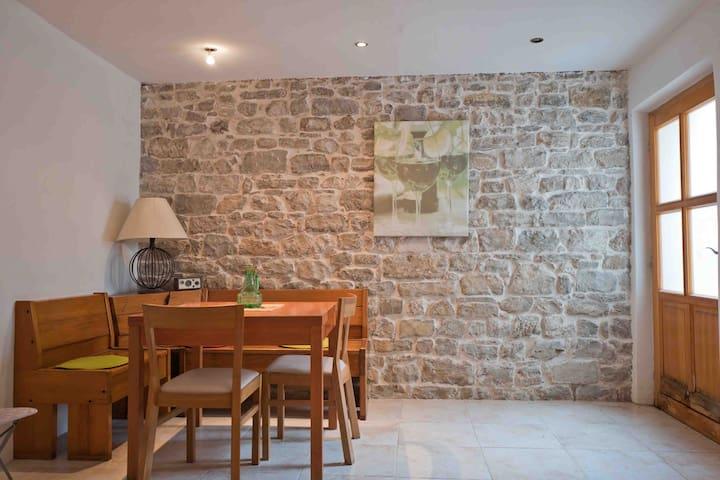 Cosy quiet studio - 150m from sea - Kaštel Lukšić - Apartmen