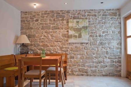 Cosy quiet studio - 150m from sea - Kaštel Lukšić - Apartment