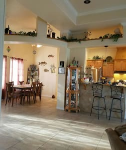 North Padre Island room beach 1M - Bed & Breakfast