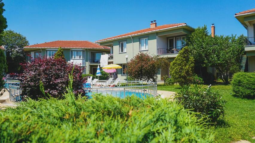 Şile'de şömineli müstakil bahçeli Villa