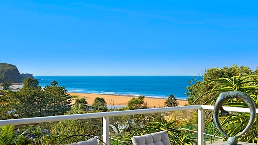 Big Avoca Beach 4 bedroom House  minutes to beach - Avoca Beach - Casa