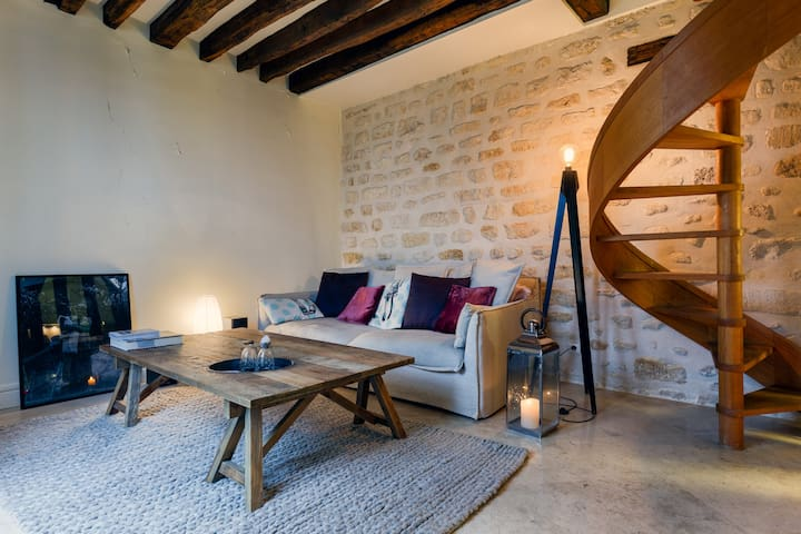 Duplex with Terrace in the heart of Latin Quarter