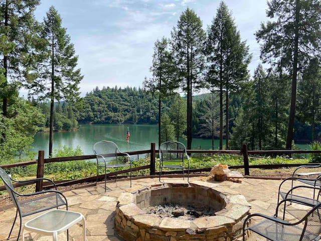 Beautiful Rollins Lake Inn - Studio Cabin #3