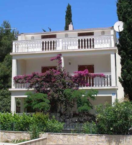 Villa in Orebic, 250m from Beach - Orebić - Villa