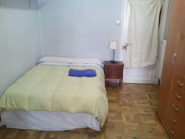 Habitación sencilla en Ensanche