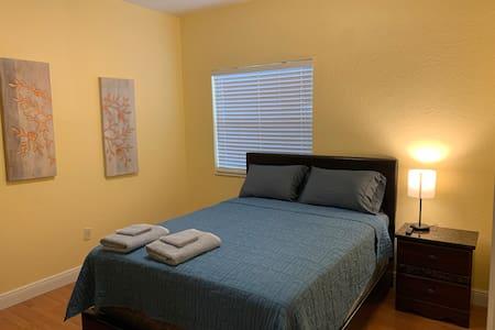 1 Bedroom Near Beach, Airport, Las Olas Ye