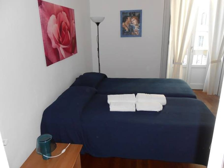 B b aldebaran bed breakfasts for rent in milano for Bed and breakfast milano