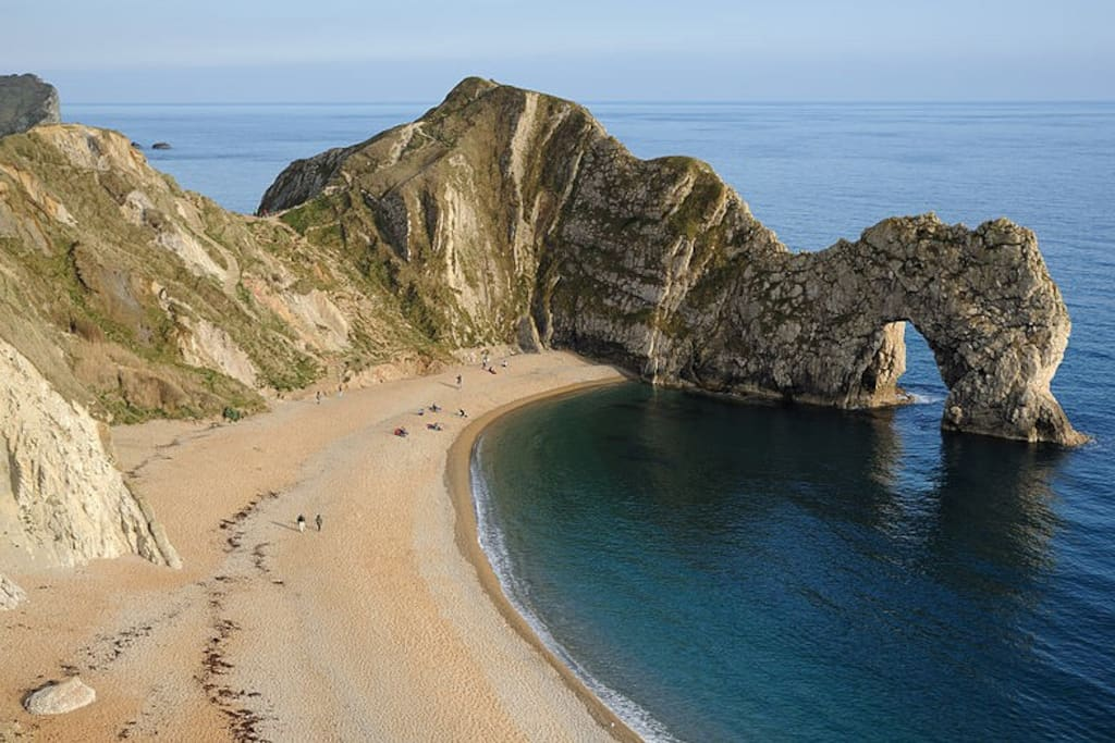 The iconic Durdle Door 4 miles away