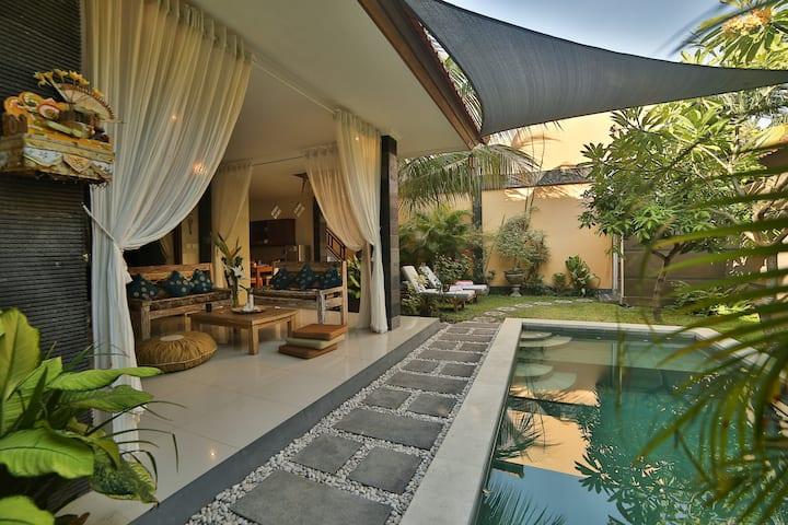 Exotic-Peaceful 3br Villa in The Heart of Seminyak
