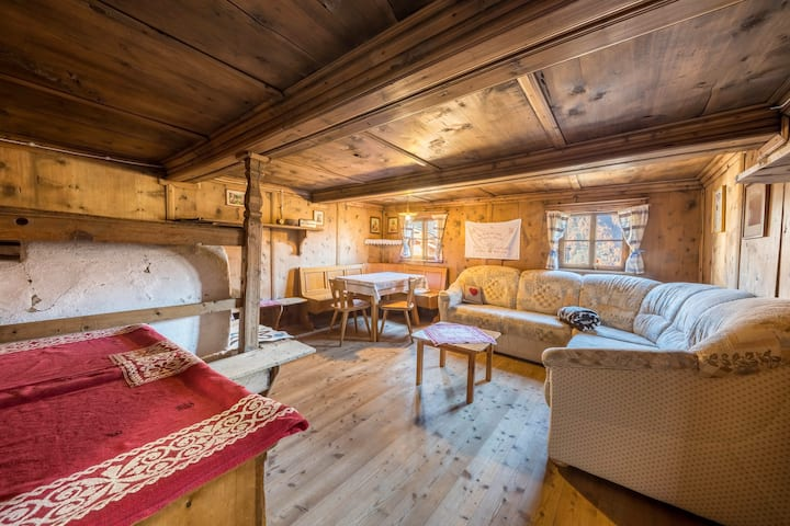 """Rustic Apartment """"Untervernatsch - Ferienwohnung Ötzi"""" in Scenic Landscape with Mountain View, Wi-Fi & Garden; Parking Available, Pets Allowed"""
