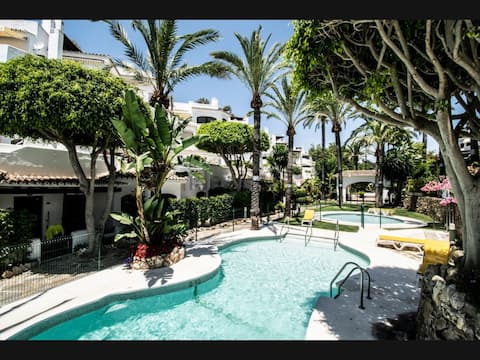 Apartment at the best Beach in Marbella with pools