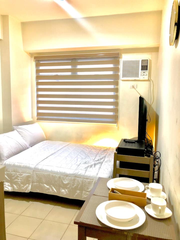 Cozy room near Megamall, Ortigas CBD, MRT w/ Wifi