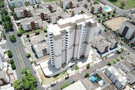 Apartamento 1 dormitório, com 2 garagens - 14