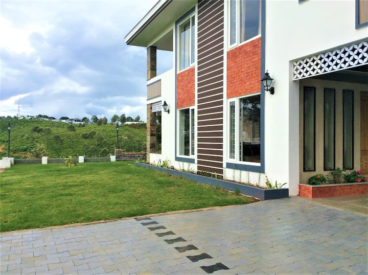 Garuda Villa (2 Private Rooms)