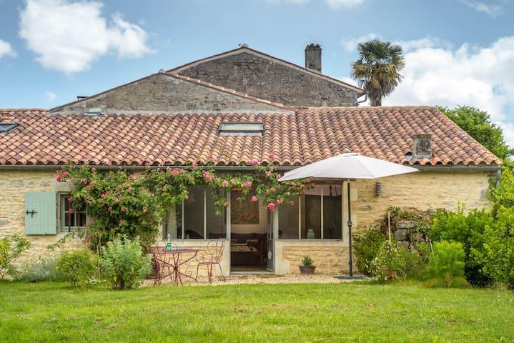 Lodge Borderies - Les Nouillers - Haus