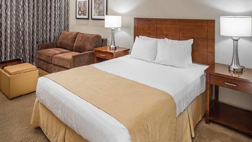 """Studio Suite @ """"Scottsdale Villa mirage Resort"""""""