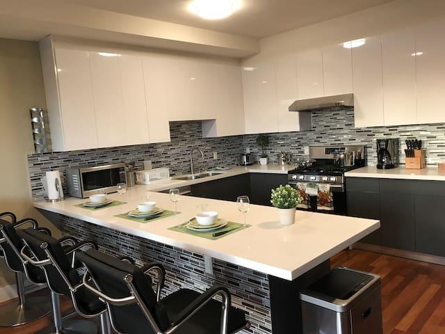 Modern 4 Bedroom Apartment #1 & 2