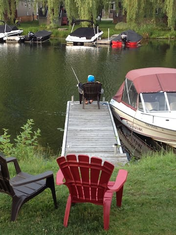 Waterfront Cottage for Rent (Air-conditioned)