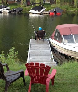 Waterfront Cottage for Rent (Air-conditioned) - Trent River - Kabin