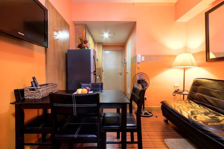 MANILA -fast wifi and cable tv - Quezon City - Apartmen