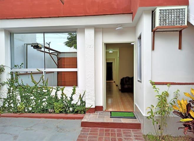 Eral Apartments Orrantia 4, Lindo y económico.