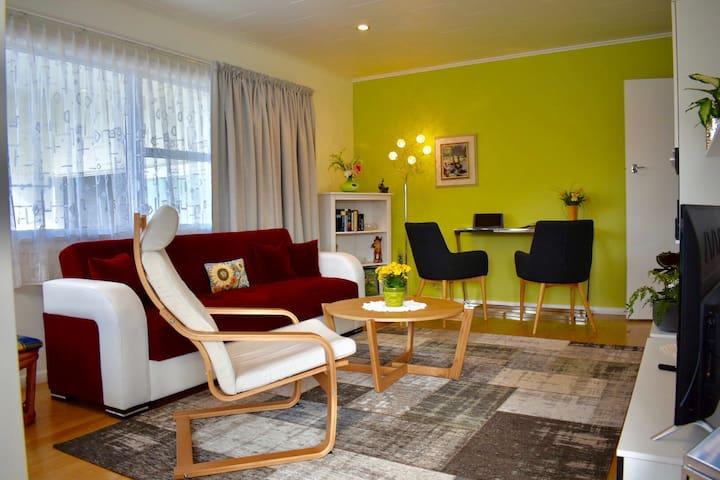 Sensational all in one, modern 2-bedroom unit