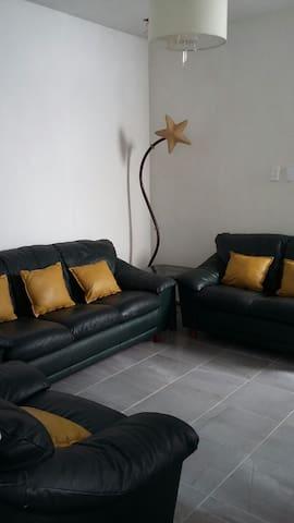 Cuarto Independiente Casa Cervantes - Tepatitlán de Morelos - Casa