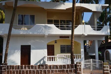 1 этаж дома в Ашвеме (1 спальня) - Morjim