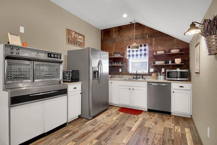 The Farmhouse Inn: 3 bed, 3.5 whole house rental