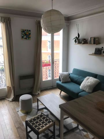 Luminous 2 room apartment in Paris 14th district