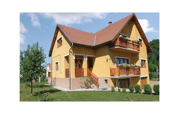 Holiday cottage with 4 bedrooms on 180 m² in Siófok