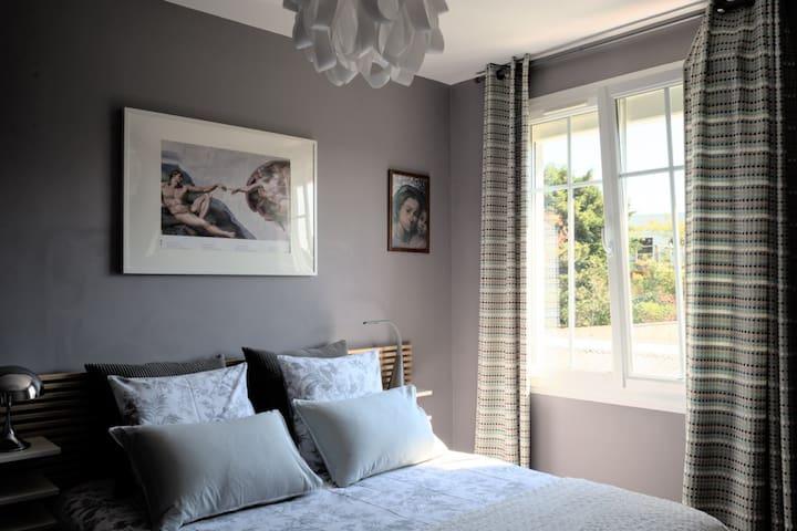 Bedroom gardenview
