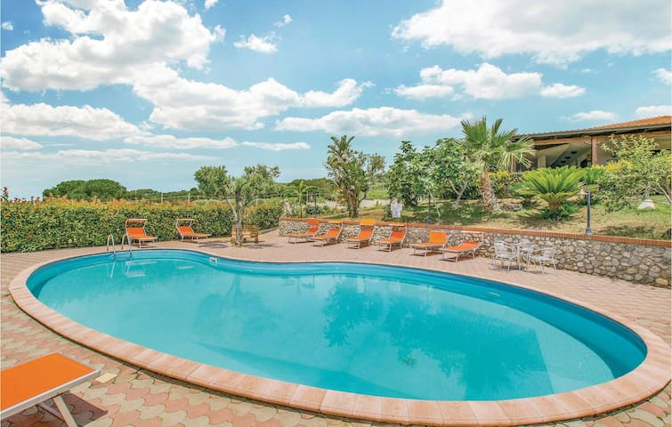 Holiday apartment with 1 bedroom on 33m² in Ricadi