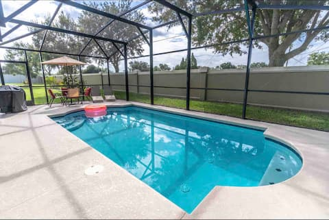 Charming 10-Guest Villa 4BR 2BA with Private Pool
