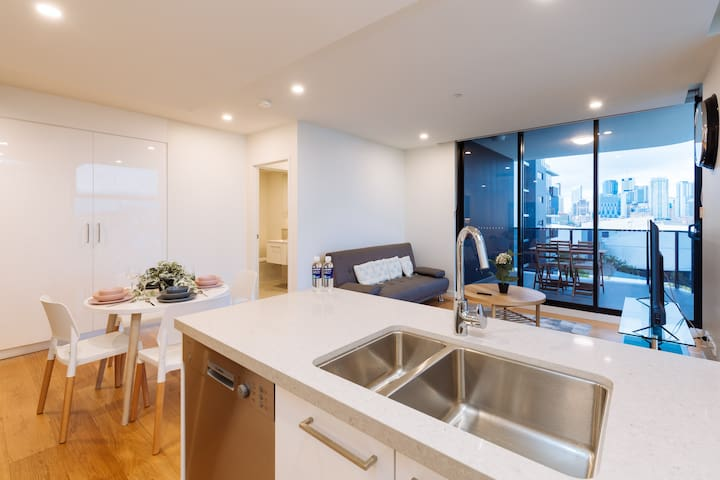 ★Splendid★ 2 Bed Apt in the Heart of SouthBank!