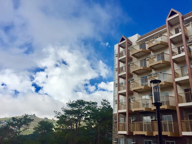 Baguio Staycation-Condo's TopFloor w/Awesome View!
