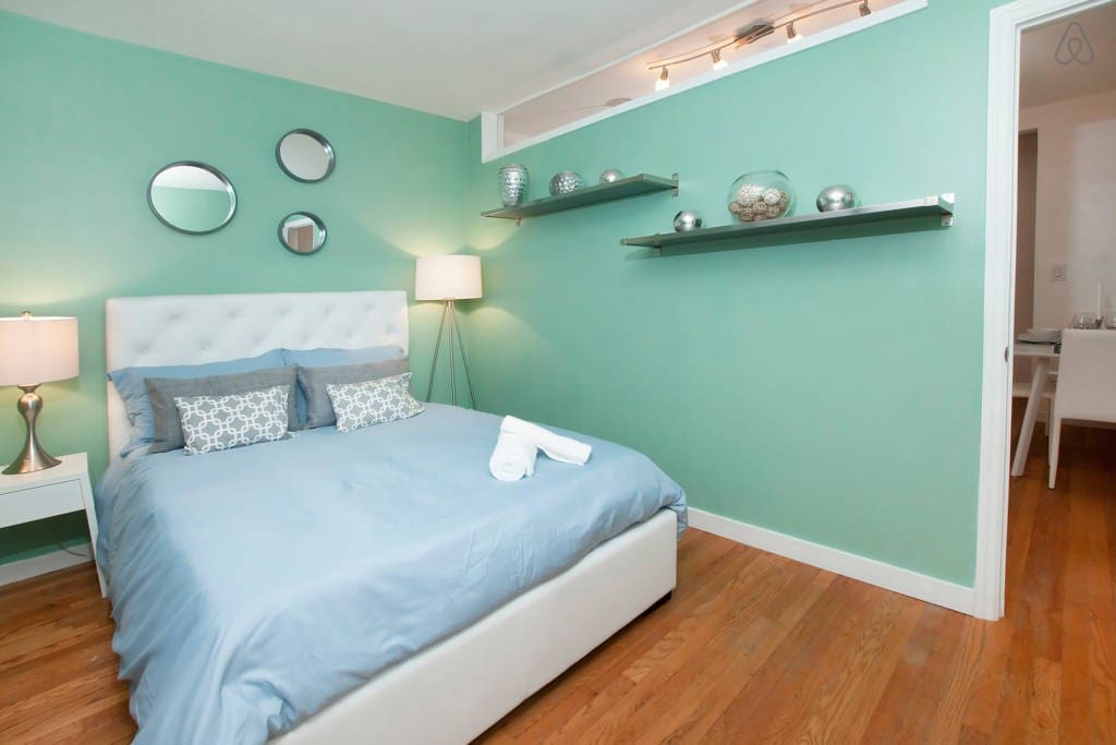 Modern & Bright Queen Bedroom-Green