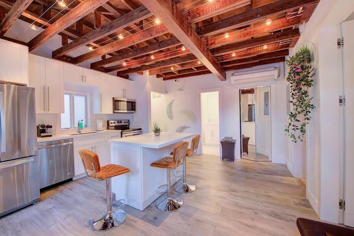 Beautiful exposed beams in the kitchen giving you an open feel!