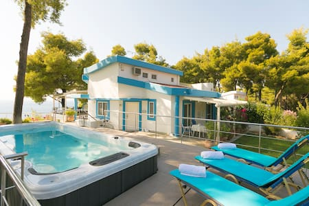 Sani Beach Gallery Villa, your family vacation!