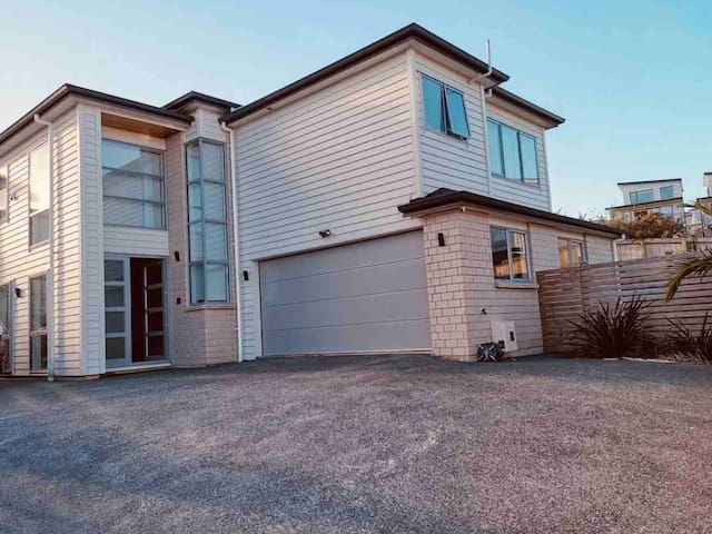 Brand New ! Cosy Life in Orewa— 2BR Guest Suite